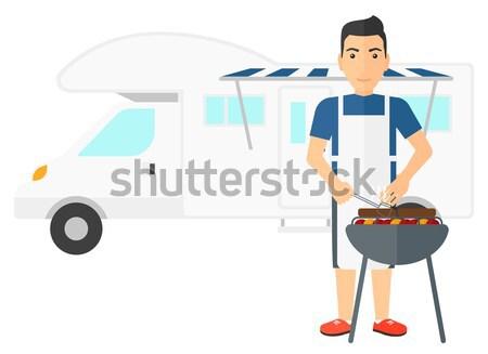 Man barbecue kampeerder van asian Stockfoto © RAStudio