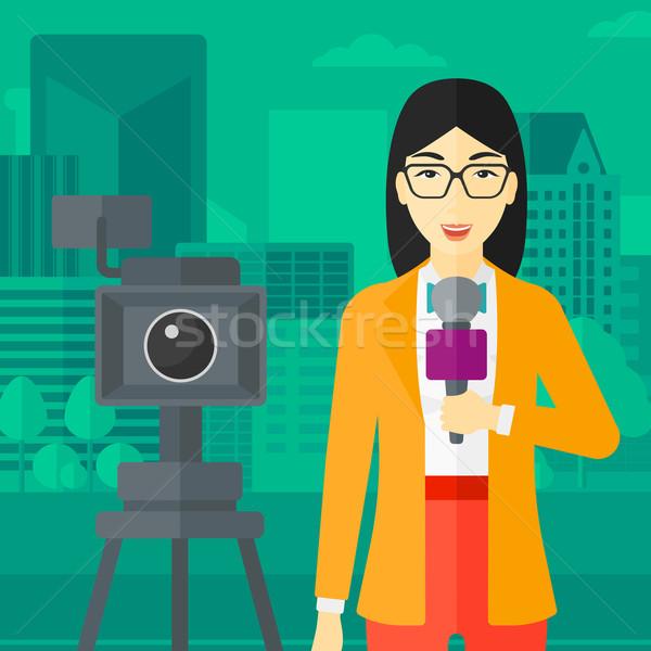 Stockfoto: Tv · verslaggever · werken · camera · asian · permanente