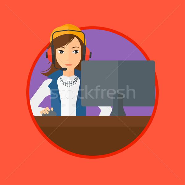 Kobieta gry gra komputerowa młoda kobieta komputera gry Zdjęcia stock © RAStudio
