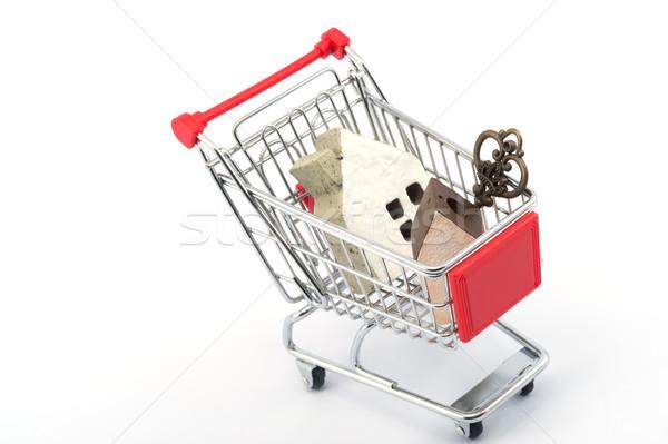 Chave casa modelos carrinho de compras branco brinquedo Foto stock © raywoo
