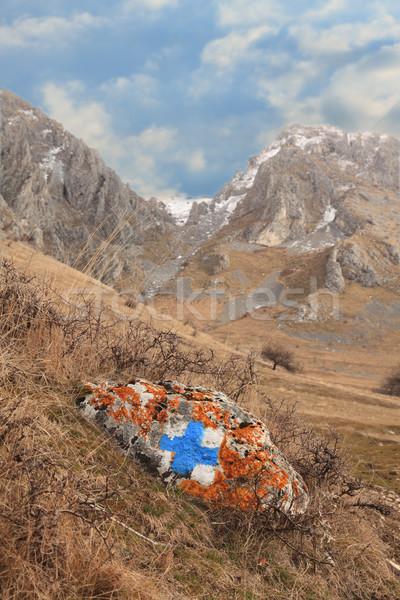 Wandelen route teken bergen vroeg voorjaar Stockfoto © RazvanPhotography