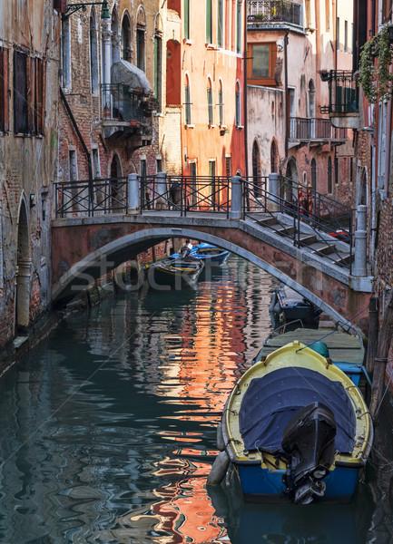 Pequeno veneziano canal paredes casas Veneza Foto stock © RazvanPhotography