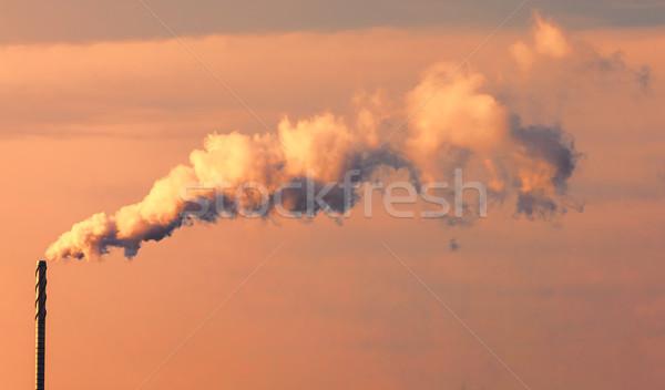 Zanieczyszczenia streszczenie chmury na zewnątrz przemysłowych komin Zdjęcia stock © RazvanPhotography