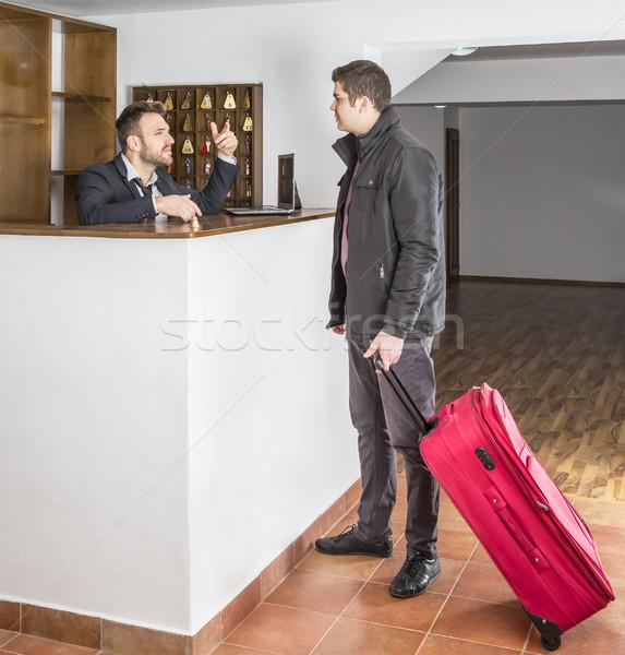 Hotel recepcji recepcjonista klienta schronisko biurko Zdjęcia stock © RazvanPhotography