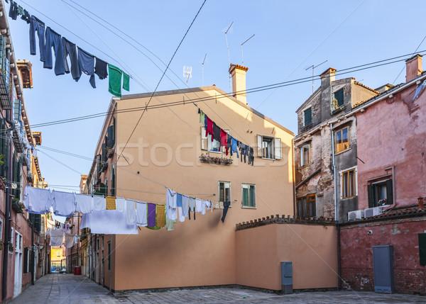 Ascuns venetian pătrat tipic haine agatat Imagine de stoc © RazvanPhotography
