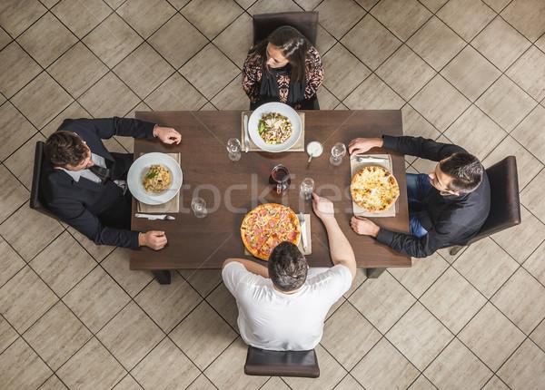 Arkadaşlar restoran görmek dört tablo kız Stok fotoğraf © RazvanPhotography