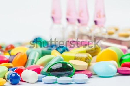 Pillen shot gezondheid geneeskunde witte Geel Stockfoto © razvanphotos