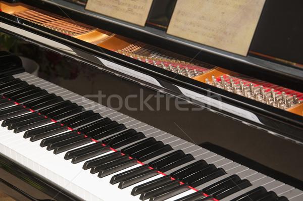 Hangversenyzongora közelkép billentyűzet zene zongora fekete Stock fotó © rcarner