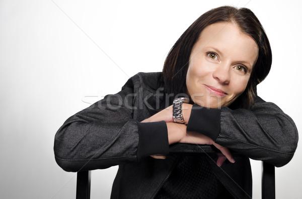 Piękna brunetka uśmiechnięty szczęśliwy ciemne kobieta Zdjęcia stock © Reaktori
