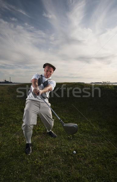 Brakujący golfa piłka szorstki niebo trawy Zdjęcia stock © Reaktori