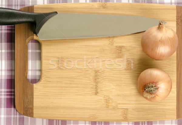 Cebule nóż deska do krojenia kopia przestrzeń dwa żywności Zdjęcia stock © Reaktori