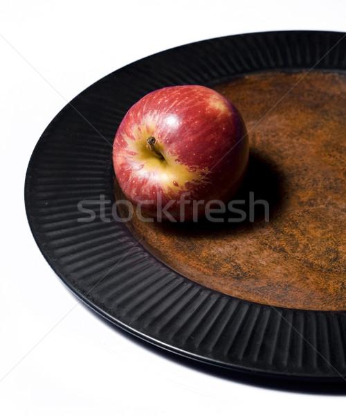 Czerwone jabłko tablicy zdrowych owoców odizolowany biały Zdjęcia stock © Reaktori