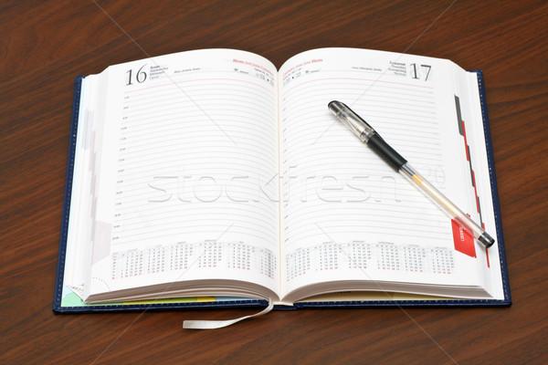 дневнике пер деревянный стол бумаги книга календаря Сток-фото © remik44992
