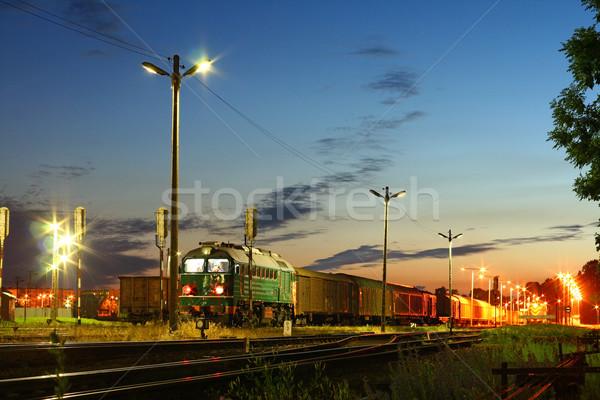 Stazione ferroviaria treno attesa stazione luce estate Foto d'archivio © remik44992