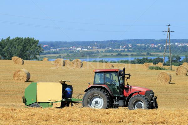 Verão paisagem trator palha campo fazenda Foto stock © remik44992