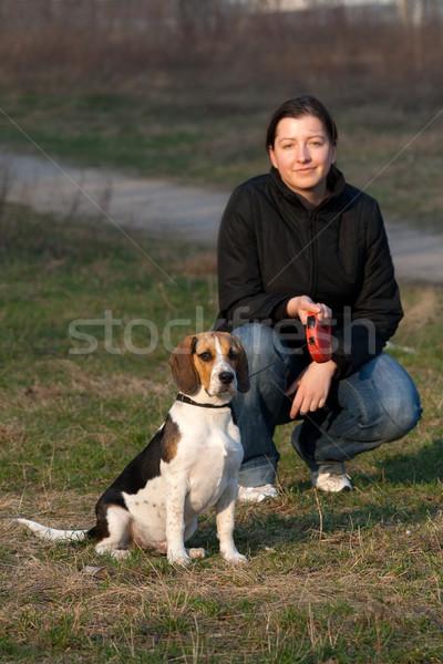 девушки собака Beagle парка моде Сток-фото © remik44992