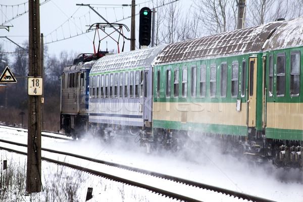 ストックフォト: 列車 · 行 · 車 · 雪 · 冬 · 輸送