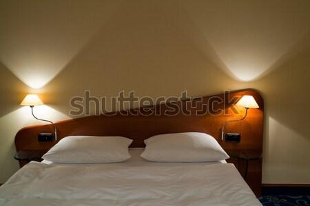 Hotelkamer verdubbelen bed comfortabel huis kamer Stockfoto © remik44992