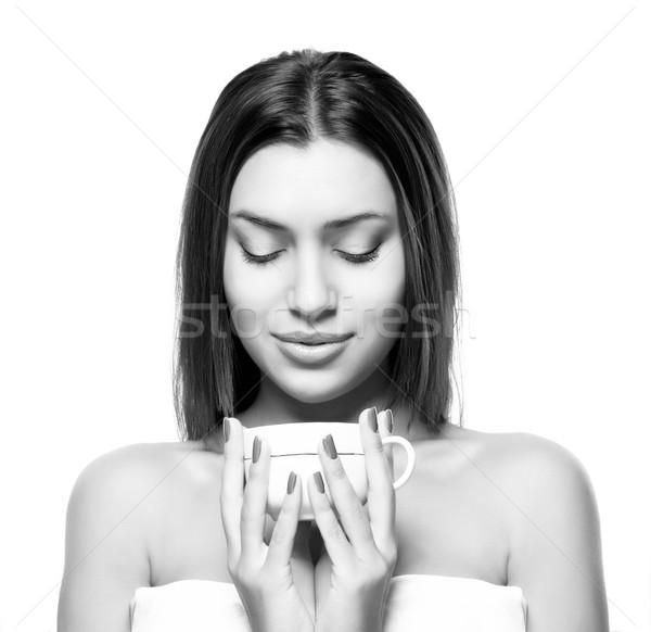 Güzel genç kadın fincan kahve beyaz yalıtılmış Stok fotoğraf © restyler