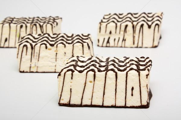 Kekler dört beyaz çikolata kek restoran Stok fotoğraf © restyler