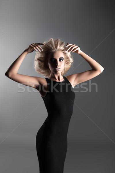 Femeie futuristic coafura moda stil modă Imagine de stoc © restyler