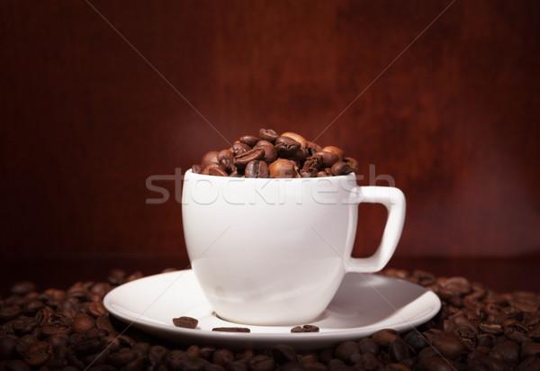 Xícara de café grãos de café escuro café preto café da manhã Foto stock © restyler