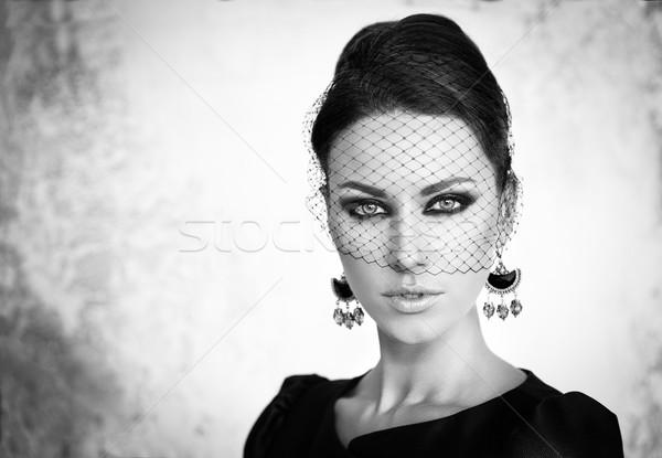 Retro schoonheid portret vintage mooie jonge vrouw Stockfoto © restyler
