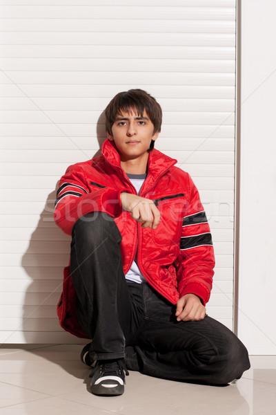 Genç portre yakışıklı on altı yüz şehir Stok fotoğraf © restyler