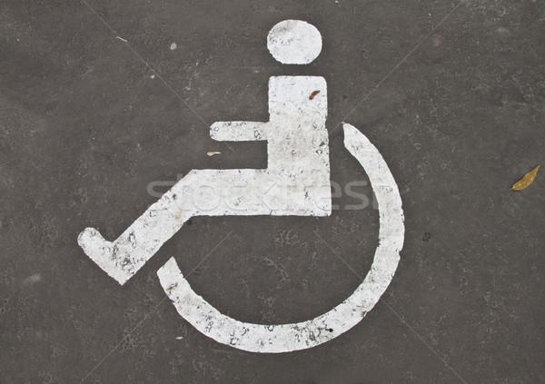 Parking handicapées espace personnes roue Photo stock © reticent