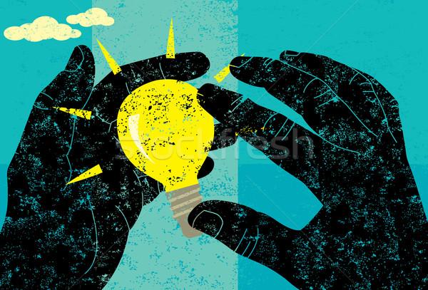 Pomysł dwa ręce żarówka oddzielny warstwa Zdjęcia stock © retrostar