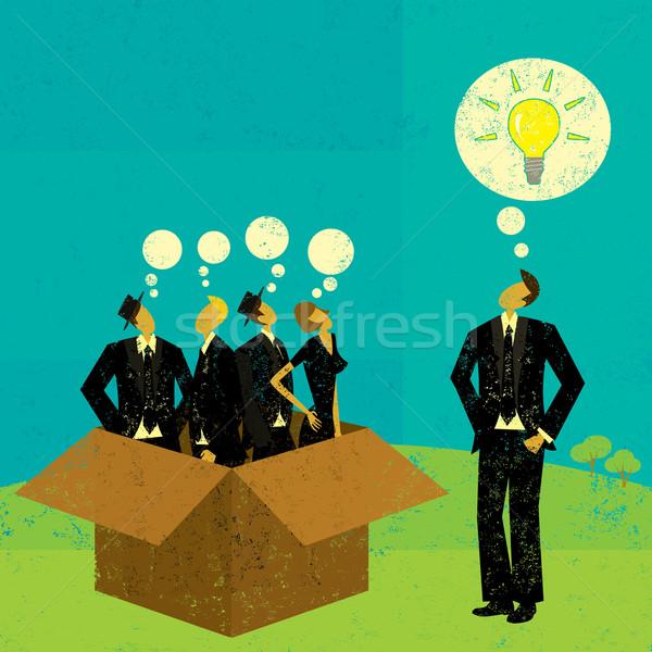 Gondolkodik kívül doboz üzletemberek egy független Stock fotó © retrostar