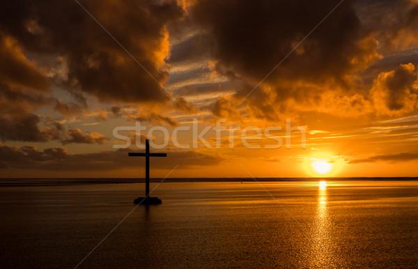 Zbawienie krzyż czarny plaży wygaśnięcia chmury Zdjęcia stock © rghenry