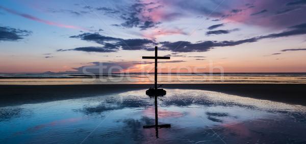 Centrum zonsondergang strand kruis kroon zwaard Stockfoto © rghenry