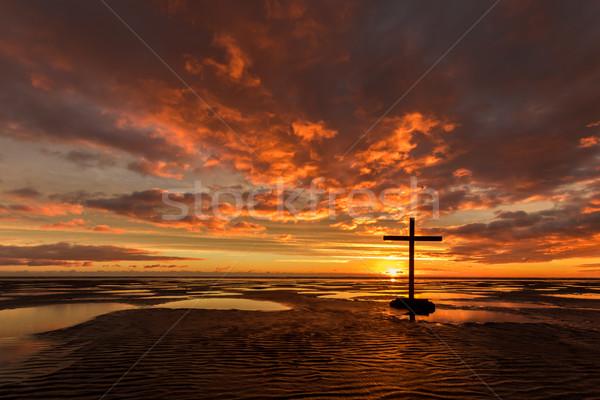 Niski fala zbawienie czarny krzyż plaży Zdjęcia stock © rghenry