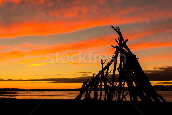 şafak ahşap barınak nehir renkli gökyüzü Stok fotoğraf © rghenry