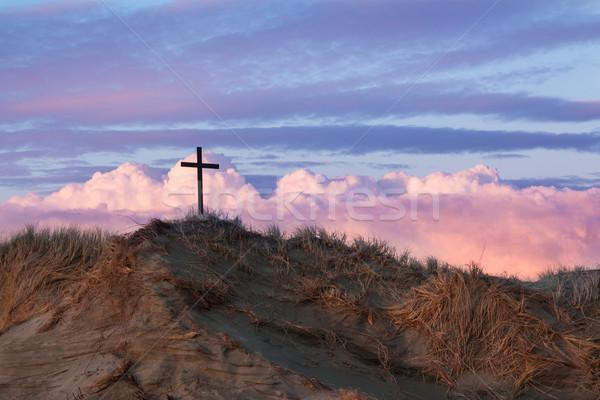 Noir croix dune de sable une merveilleux nuages d'orage Photo stock © rghenry
