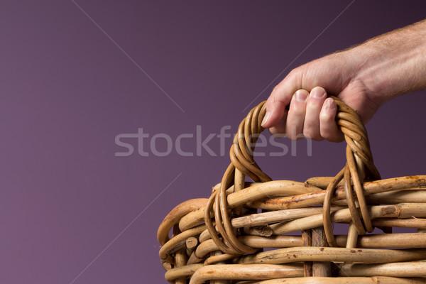 Grande manusear mão agarrando cesta Foto stock © rghenry