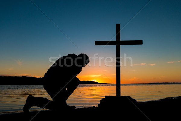 красивой закат человека крест реке небе Сток-фото © rghenry