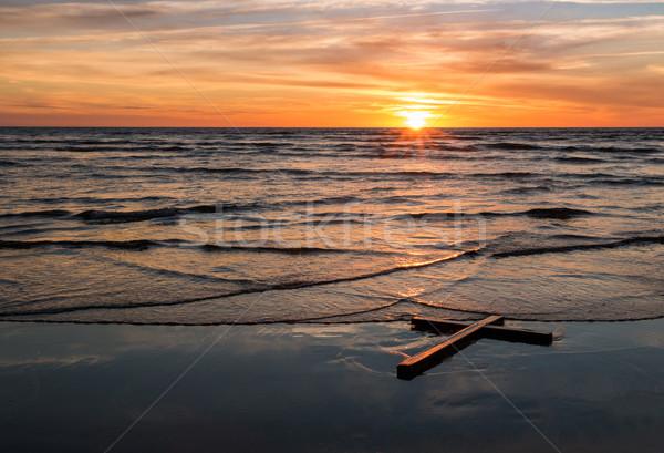 Olas negro cruz lavado Foto stock © rghenry