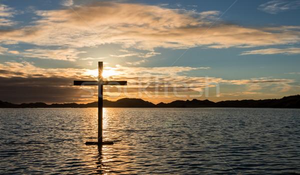 Zwarte kruis meer water Stockfoto © rghenry