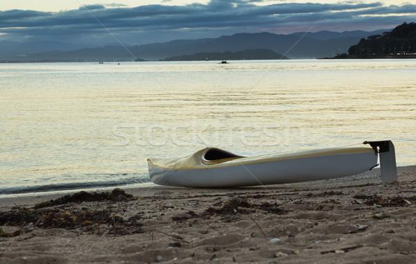 Kajak strand Geel vergadering klaar uit Stockfoto © rghenry