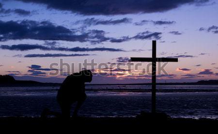 Jézus kereszt sétál messze fekete viharos Stock fotó © rghenry