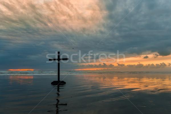 серый крест черный пляж облачный закат Сток-фото © rghenry