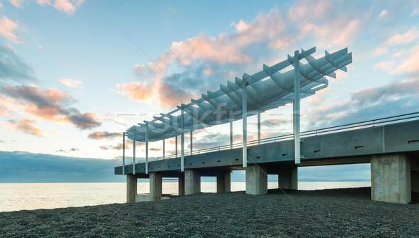 Plate-forme nouvelle modernes plage architecture toit Photo stock © rghenry