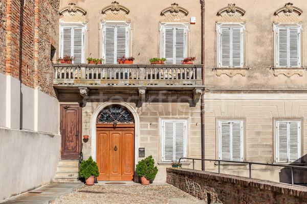 Fasada starych włoski domu typowy balkon Zdjęcia stock © rglinsky77