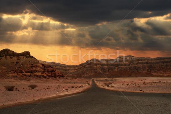 Gün batımı çöl güzel bulutlu akşam gökyüzü Stok fotoğraf © rglinsky77