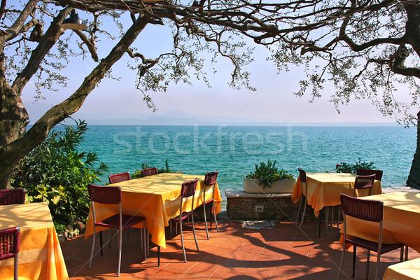 Extérieur restaurant Italie belle vue lac de garde Photo stock © rglinsky77