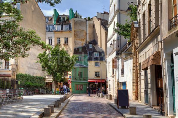 Hagyományos párizsi utcakép keskeny utca épületek Stock fotó © rglinsky77