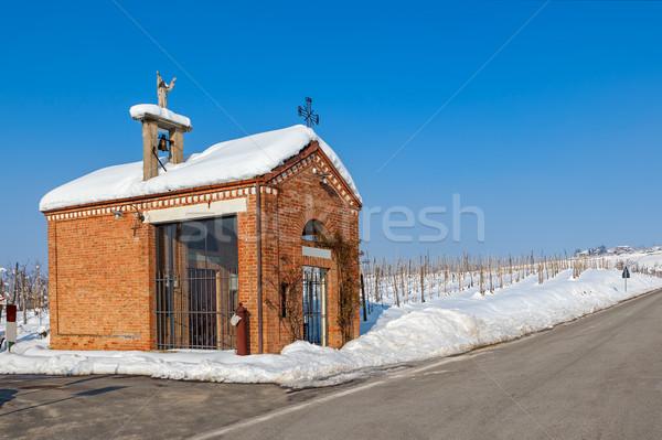 Küçük küçük kilise yol yol kenarı kapalı kar Stok fotoğraf © rglinsky77