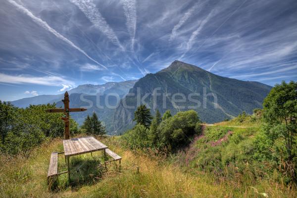 Fából készült kereszt alpesi legelő pad északi Stock fotó © rglinsky77